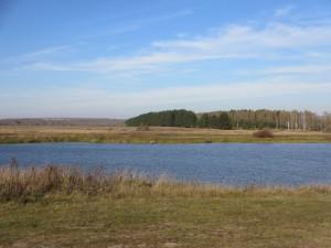 Озеро на повороте в Шарголи