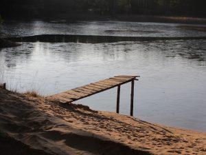 Трамплин на маленьком озере